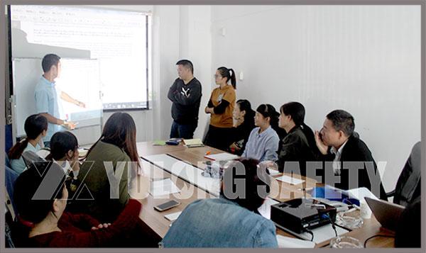BTTG к YuLong компани для руководства преподавания